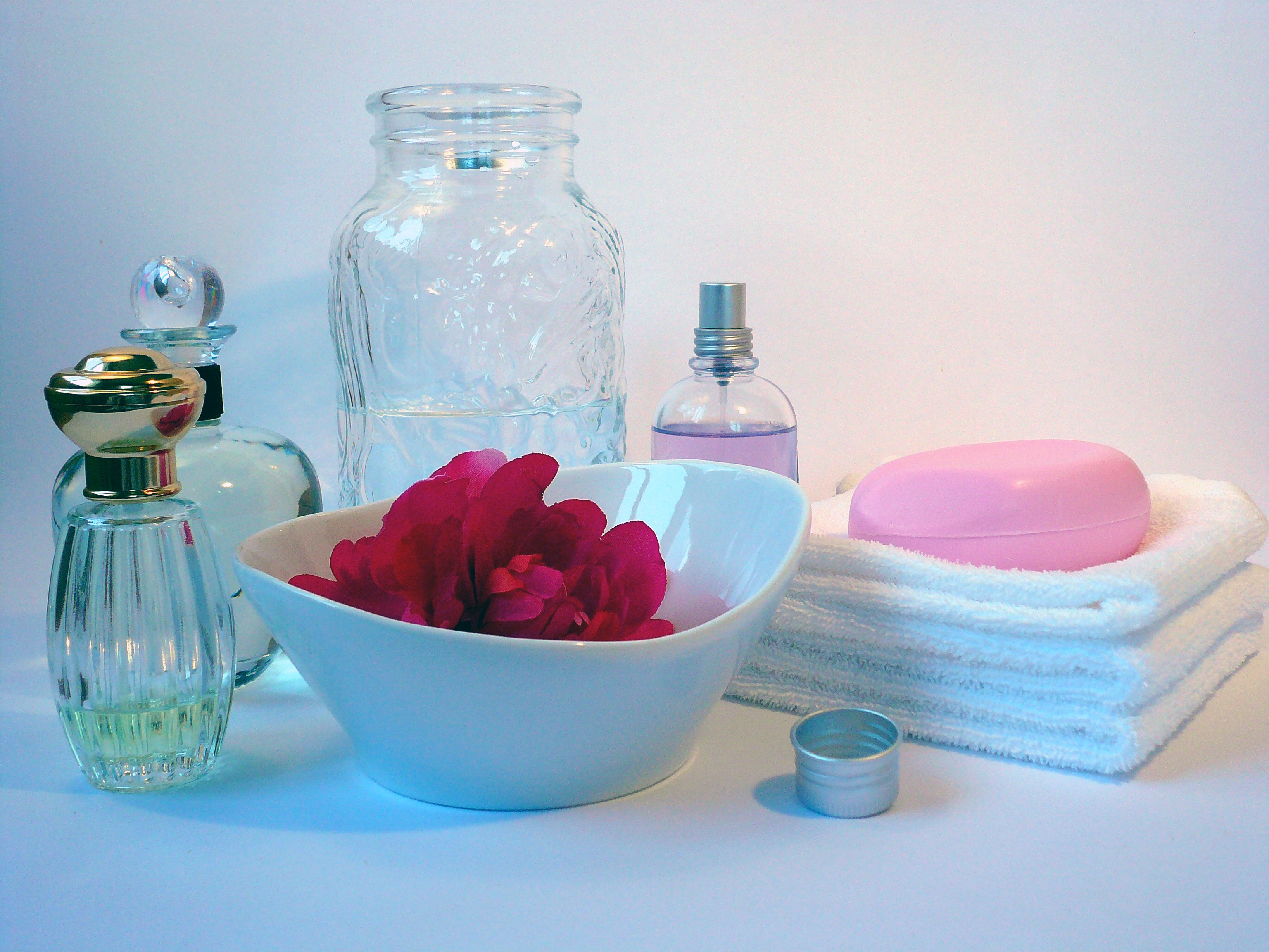 create sets and series soap and marketing personal care products to women