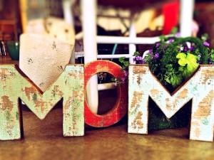crafty handmade mom sign